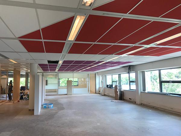 Systeemplafond in 4 kleuren